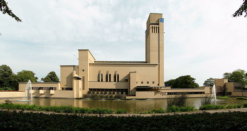 De monumentale zuidgevel. Foto: wikimedia commons.